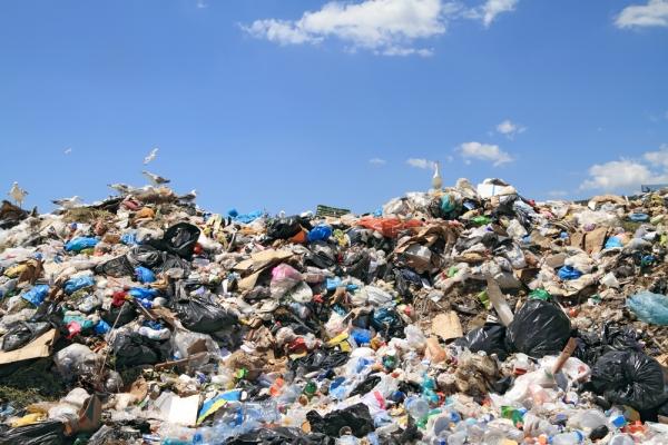 gomila plastičnih vrećica